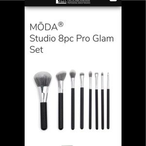MŌDA® Studio 8pc Pro Glam Set